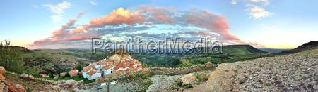 tramonto vista paesaggio montano delle vecchie