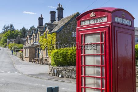 telefono pubblico cabina telefonica uomini uomo